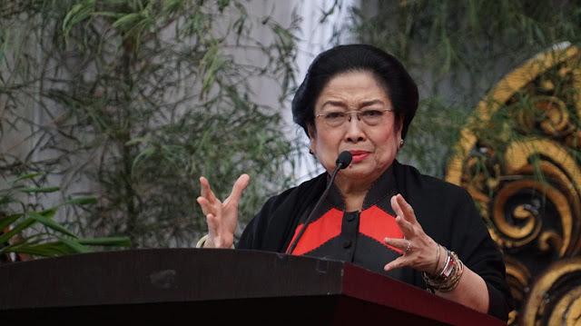 Megawati sambil Menangis: Suatu Hari Nanti Soekarno akan Kembali Lagi