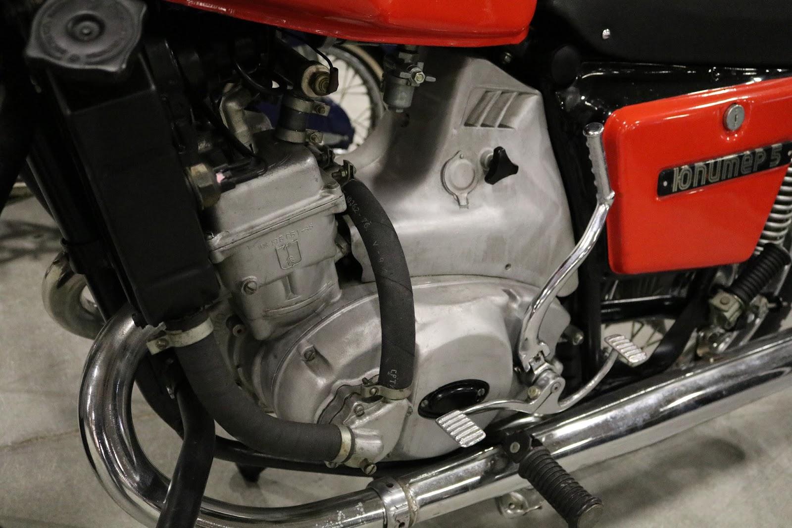 Restoration motorcycle IZH Jupiter-5 91