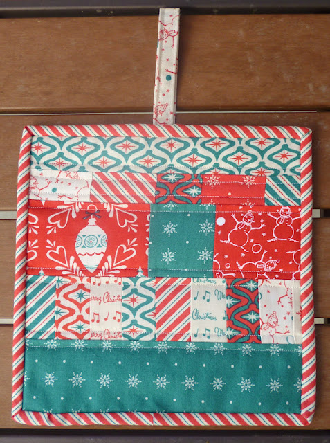 red green white retro scrappy Christmas potholder Dear Mr Claus