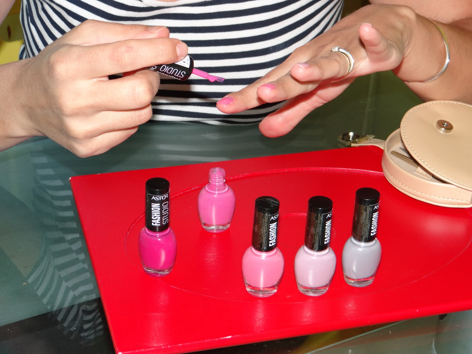 Diy Ombre Nail Manicure The Kity Shoes