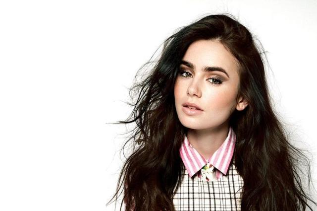 Lily Collins - Artis Muda Hollywood Tercantik