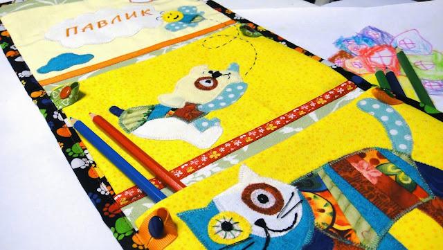 Кармашки для шкафчика в детский сад: хлопок, веселые персонажи, с карманом под чешки. Именные кармашки. Герои и расцветки тканей - по желанию заказчика