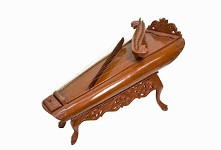 alat musik petik Calempung