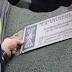 Barcelona retirará todas las placas de vivienda franquistas en un año