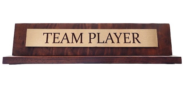 Enhance Your Professional Look through Personalised Desk Name Plates