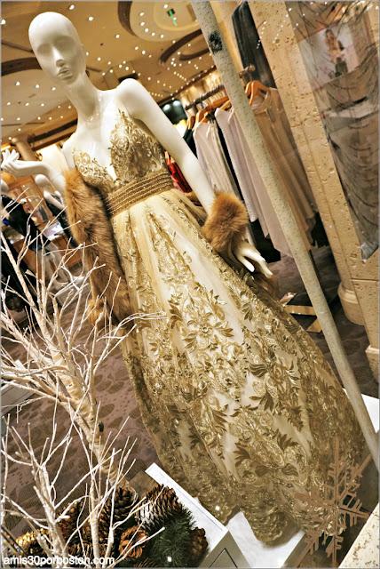 Navidad en Las Vegas 2017: Vestido de Fiesta en un Escaparate del Hotel Bellagio
