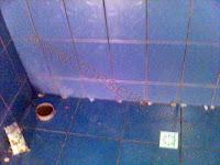 cum se pune faianta in baie