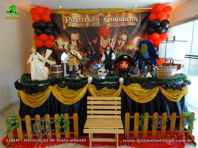 Decoração Piratas do Caribe luxo - Mesa temática decorada para festa de aniversário infantil
