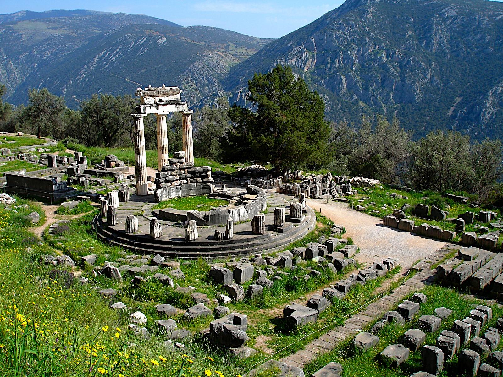 Resultado de imagen de Oráculo de Delfos