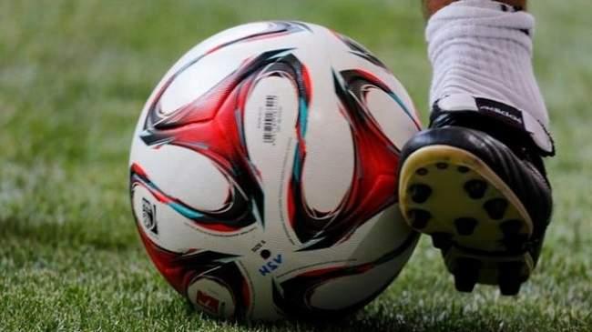 الجهوية 24 - مؤلم..وفاة لاعب على أرضية الملعب (صورة)