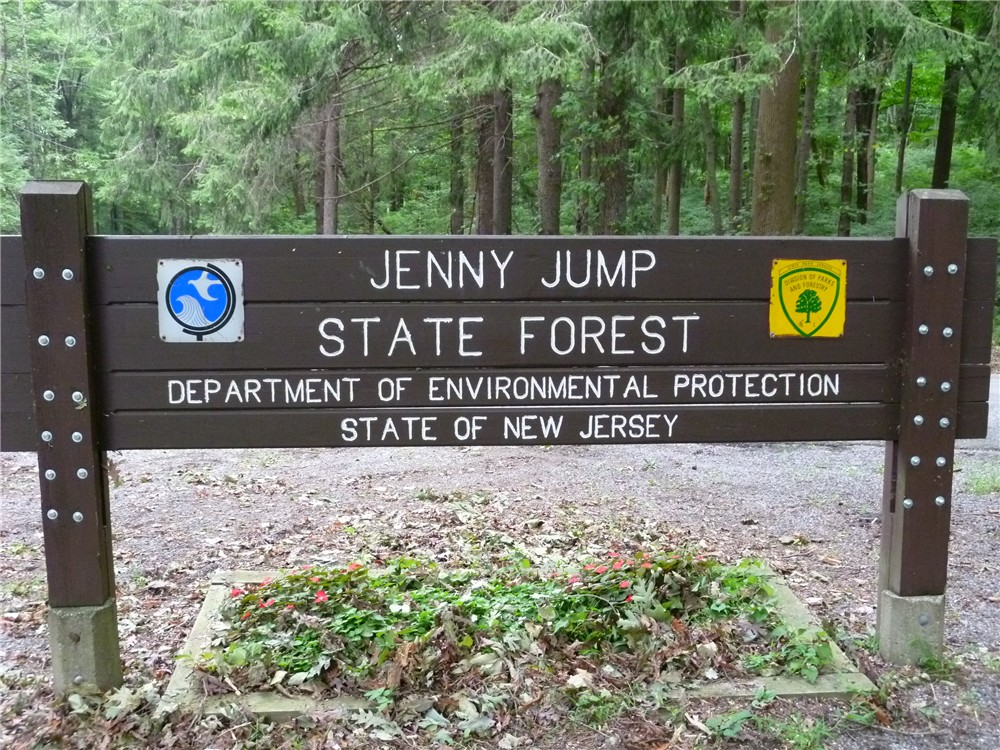 gone hikin jenny jump