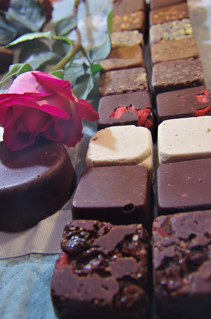 raw chocolate photo