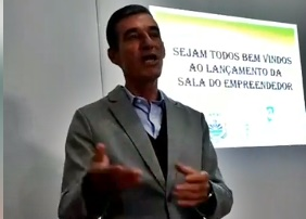 Prefeito de Nova Cantu diz que fica mais em Curitiba do que em sua cidade