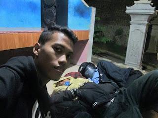Selfie bersama orang-orang lelah