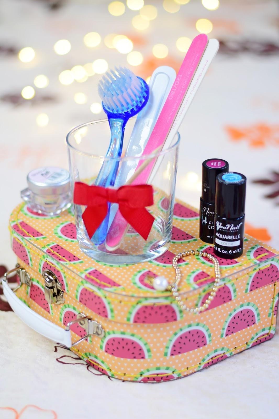 manicure_paznokcie_przydatne_gadżety_must_have_blog