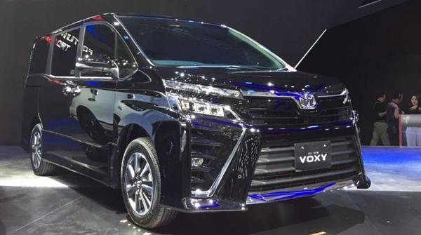 Resmi Meluncur, Begini Tampang Sangar Toyota Voxy di GIAAS 2017