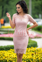 Rochie midi din dantela lila