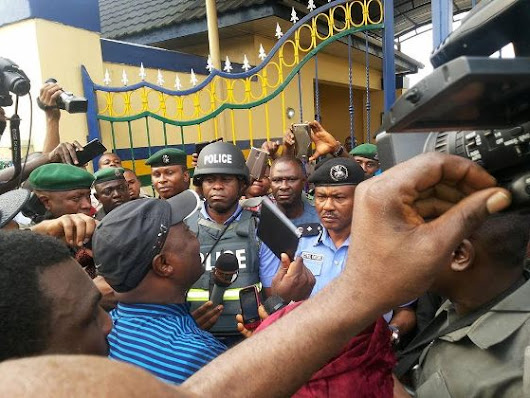 See the chaos as APC hand over Wike election rigging Audio to police