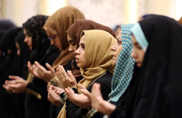 Eid-Al-Adha-Namaz-Girls