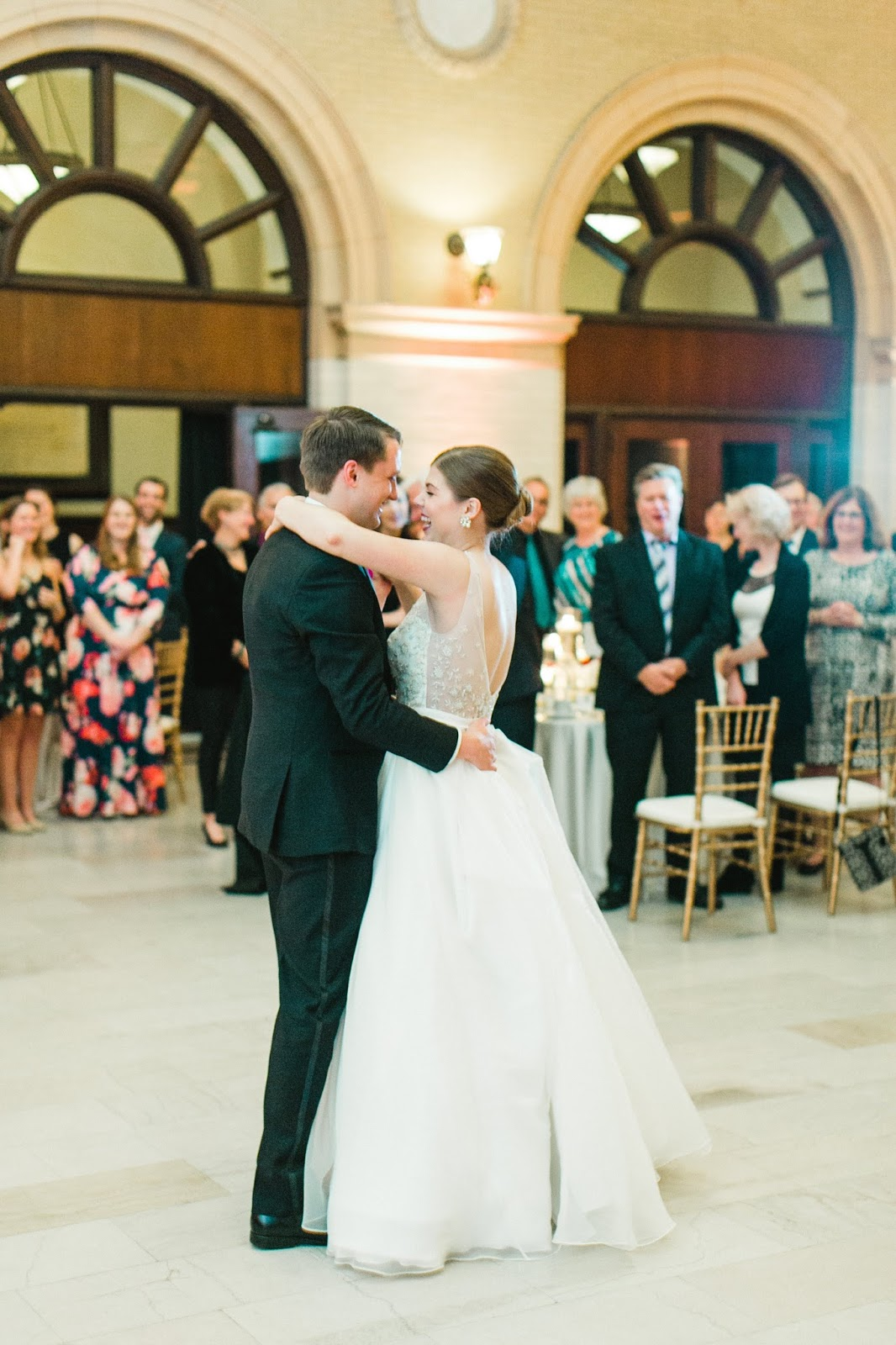 wedding-first-dance-story
