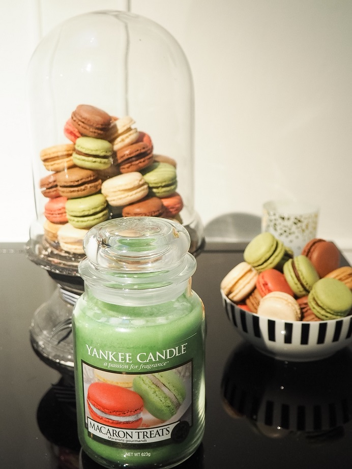 Yankee Candles Christmas 2016 - Macaron Treats large jar