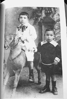Juan Carlos Onetti: El niño que leía escondido en el ropero