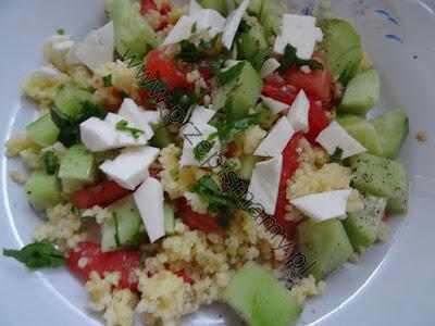Sałatka z warzyw i kaszy jaglanej