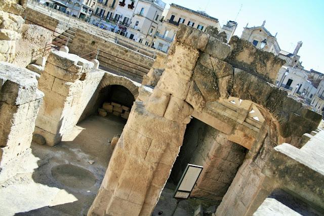 monumento romano, anfiteatro romano