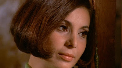 Carla Romanelli as Maria