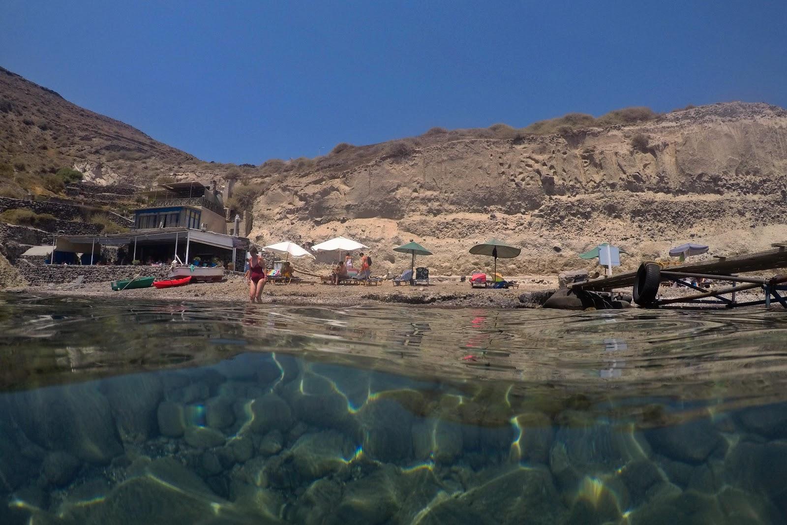 white beach, santorini, grecia