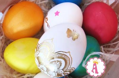 Как можно нанести татуировки на яйца к Пасхе