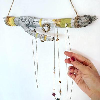 Decoración boho: cómo hacer un colgador diy para las joyas