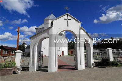 Сморгонь. Костел святого Михаила Архангела. Врата