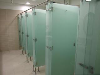 harga partisi toilet phenolic