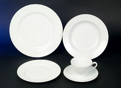 Weißes Geschirr Set