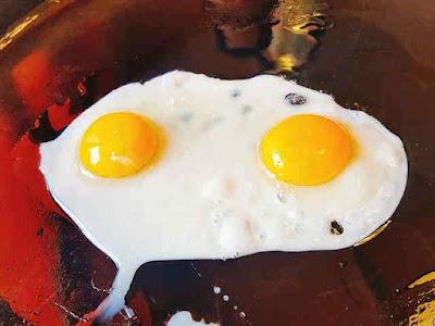 DIY Egg White Mask for Acne