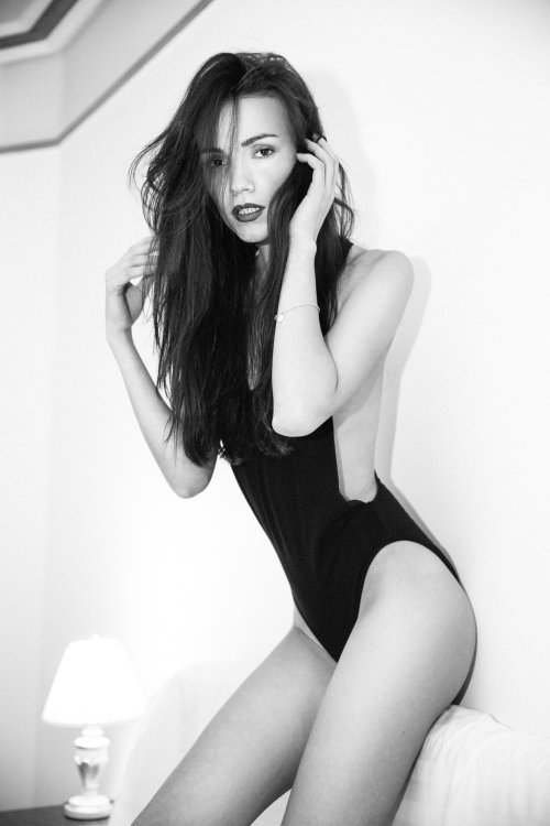 Bogdan Moldovan 500px arte fotografia mulheres modelos fashion beleza sensual preto e branco