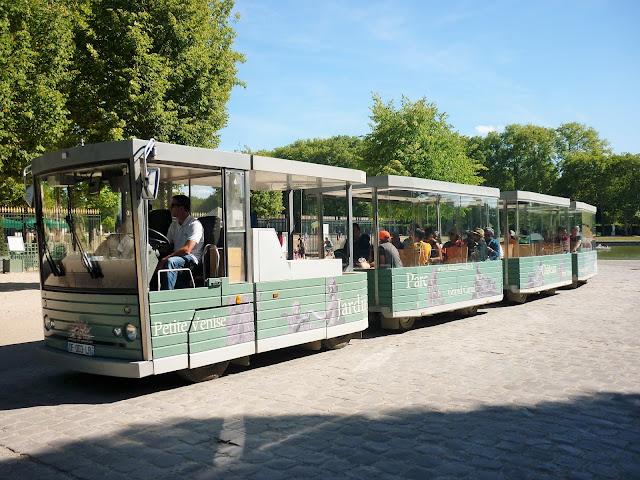 Parc du château de Versailles - la petite Venise - petit train