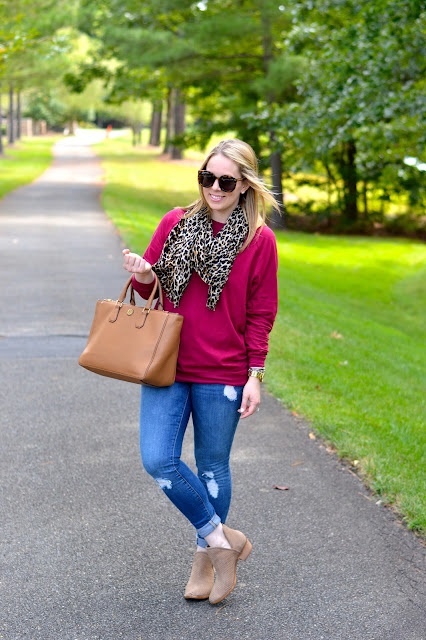 burgundy-leopard-outfit-idea