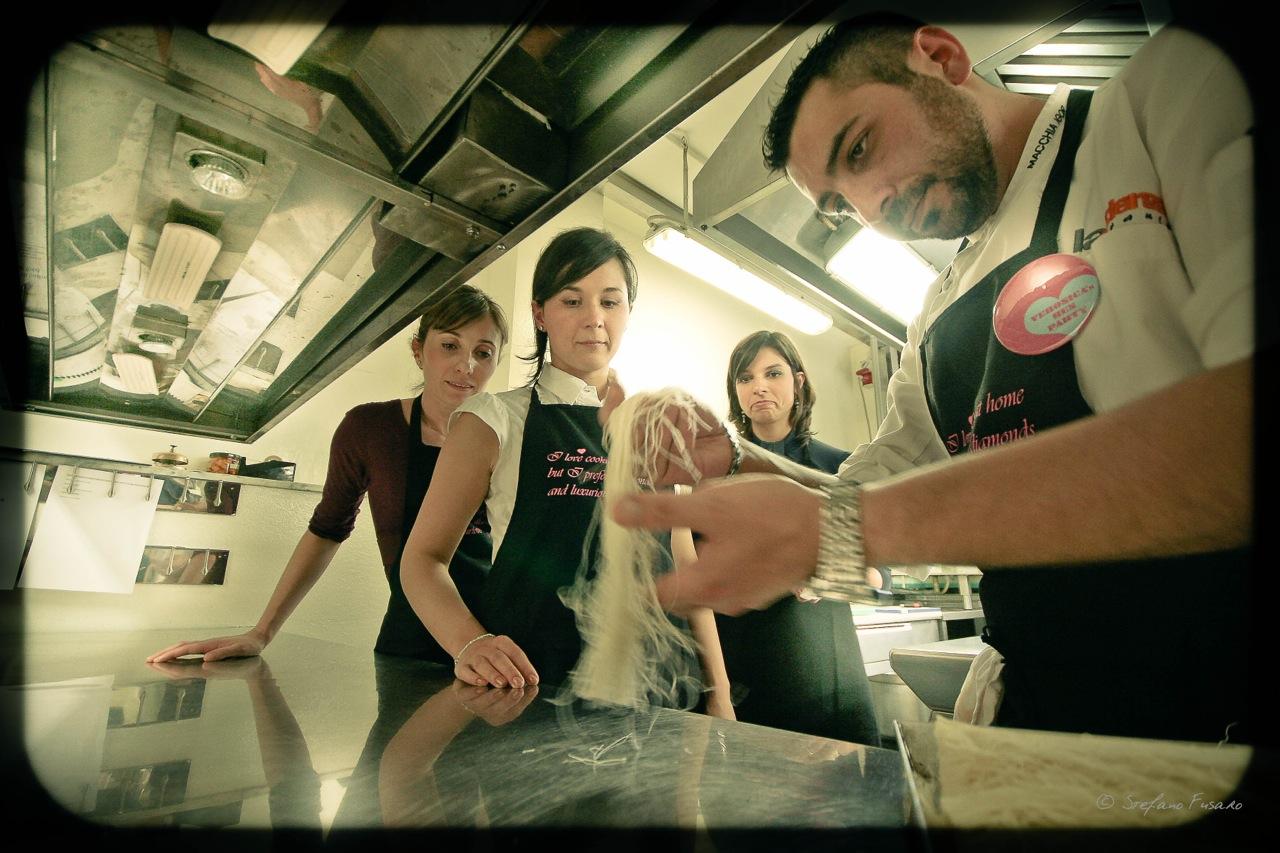 La Credenza San Maurizio Chef : Risotto ai peperoni con acciughe e salsa al prezzemolo la rogina