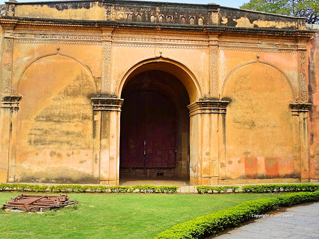 Rear Main Entrance of Bangalore Fort (sonesrs.blogspot.in)