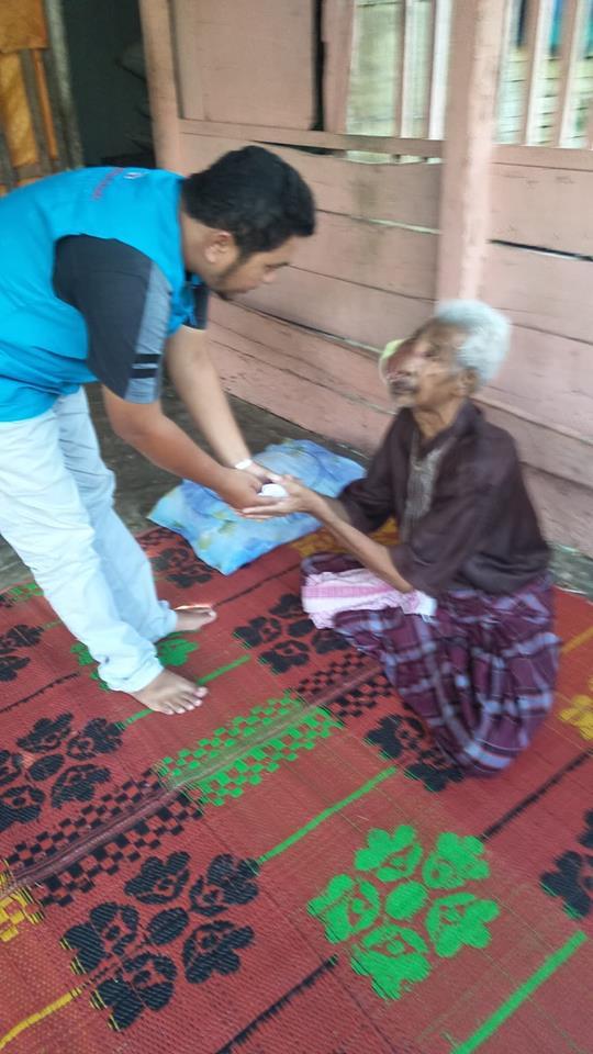LPD Kunjungi dan Santuni Tgk. M. Thaib Penderita Kanker Wajah