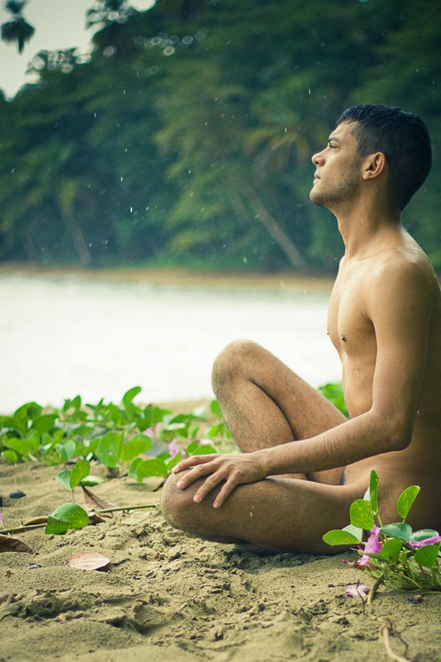 смотреть фильмы голые мужчины на природе представьте