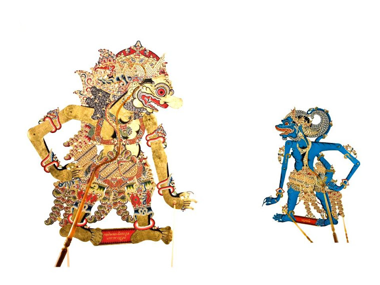 Kedua kitab tersebut memuat pelajaran weda yang disusun berujud cerita. Wayang Kulit Purwa ( Gaya Surakarta ): DAFTAR NAMA-NAMA