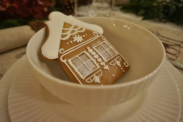 Iced gingerbread biscuit