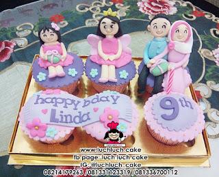 Cupcake Ulang Tahun Tema Keluarga