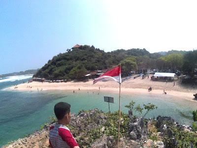 Pantai ngandong dan bendera