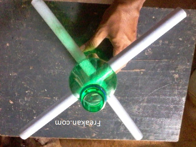 How To Make A Bangle Stand With Plastic Bottle With Pictures