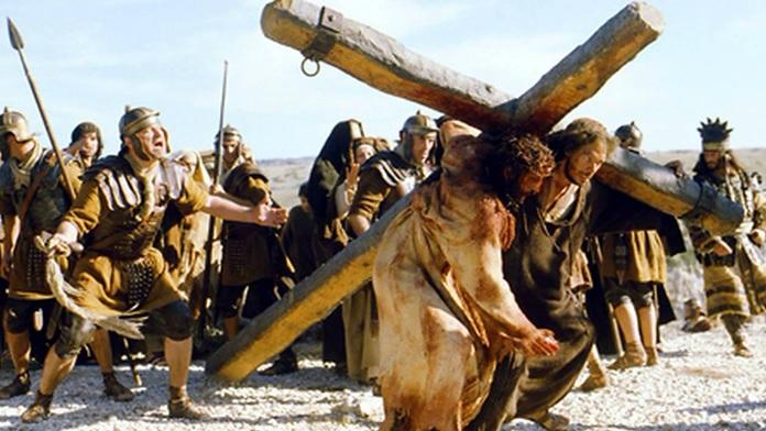 Crocifissione di Gesù tra domenica delle Palme e Pasqua