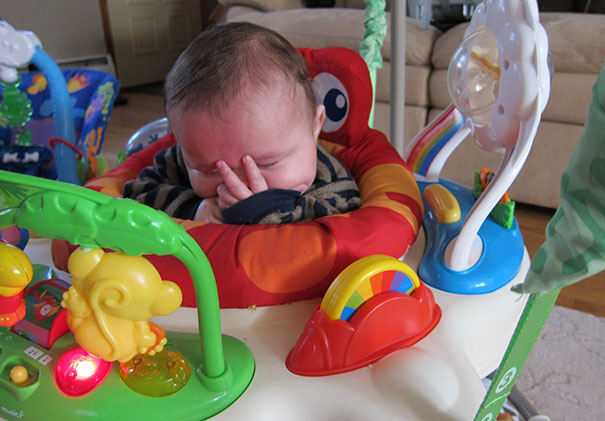 15+ Hilarious Pics That Prove Kids Can Sleep Anywhere - Facepalm Nap